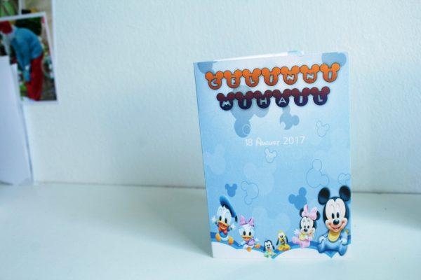 Invitatie stil carte cu Mickey Mouse
